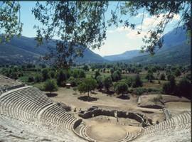 Dodona-theater-3
