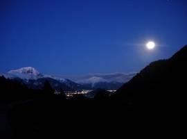 karpenisi-night