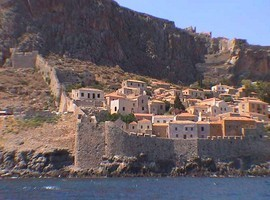 monemvasia-wall
