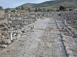 street-in-ancient-corinth